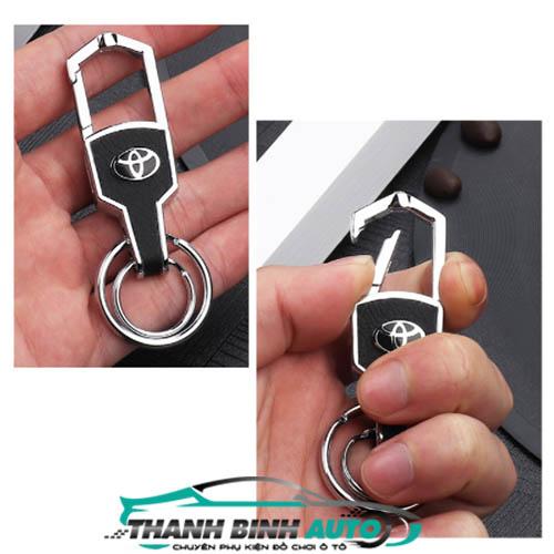 móc khóa logo ô tô