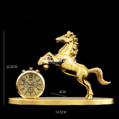 Nước hoa con ngựa kiêm đồng hồ